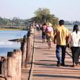 「長い長い木造の橋」